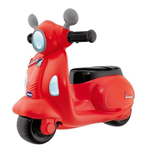 🥇 Chicco – Correpasillos Vespa con Forma de Moto Scooter y Volante electrónico