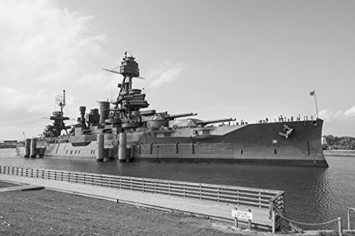 (Vintography 18 x 24 B&W Photo of USS Texas, The Second Ship of The United States Navy Named in Honor of The U.S. State of Texas, is a New York-Class Battleship 2014 Highsmith 02a)
