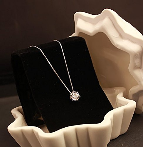 Generic crystal _beating_ heart necklace pendant collar bone chain _of_ love _ultra_ flash diamond necklace pendant single Valentine's Day gift (Heart Diamonds Necklace Ultra)