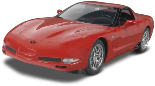 Revell 2004 Chevy Corvette Z06 1/25 Scale Model Car Kit