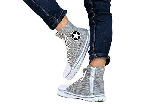 888ce32ee332 Amazon.com  Handmade Crochet Men s And Women Unisex Converse ...
