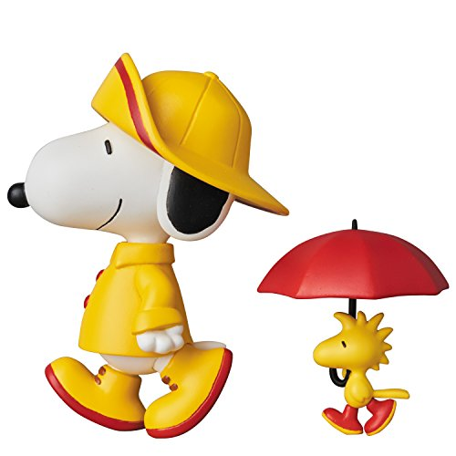 Medicom Peanuts: Raincoat Snoopy with Woodstock Ultra Detail Figure -