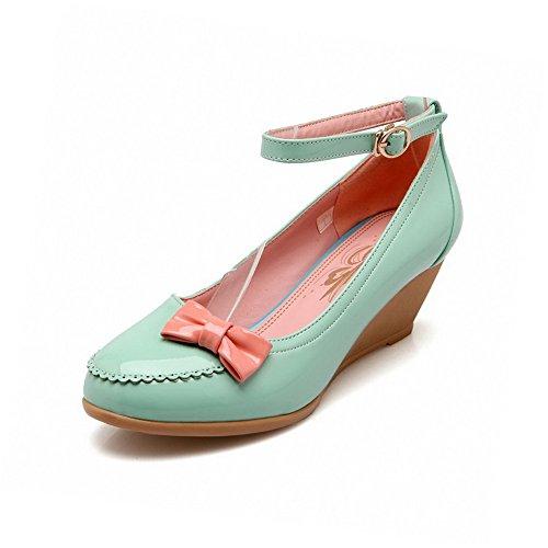 AllhqFashion Damen Gemischte Farbe PU Mittler Absatz Rund Zehe Schnalle  Pumps Schuhe Grün