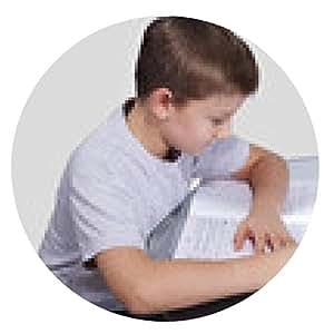 alfombrilla de ratón niño hace su tarea en una mesa de cristal - ronda - 20cm
