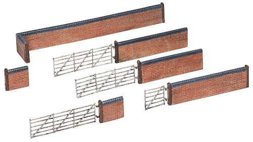 Bachmann Europe Graham Farish G42-107 Red Brick Walls and Gate N Scale Model Structure