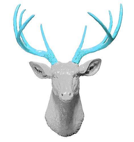 Faux Taxidermy Studio White 8 Point Deer Head with Turquoise Antlers | Faux Taxidermy | White 8 Point Resin Deer Head with Turquoise Antlers White-Turquoise, 20.5 ()