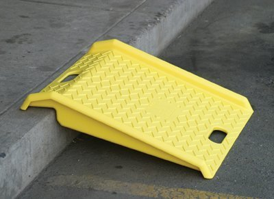 Eagle Mfg Poly Curb Ramp-Yellow 1000# Load - 1 Each