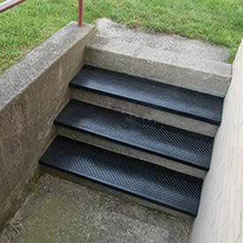 48 W Outdoor Recycled Rubber Stair Tread Black