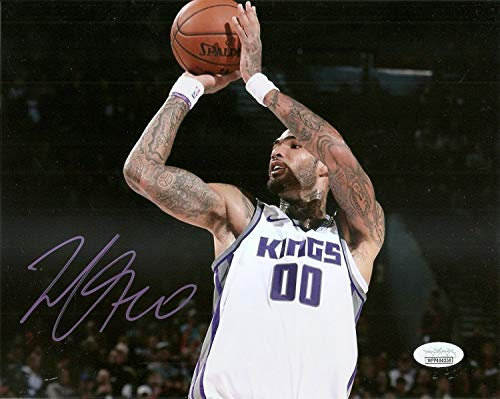 - Willie Cauley -Stein Kings Kentucky Autographed Signed Memorabilia 8x10 Photo - JSA Authentic