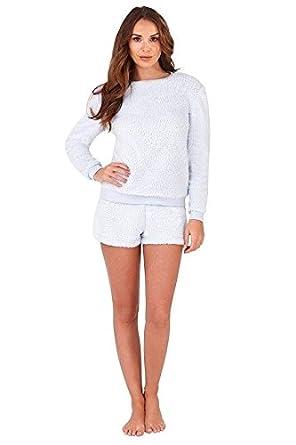 950e6402d602 Heat Treats Ladies Cute Powder Blue Super Soft Fluffy Fleece Snuggly Short  Pyjamas  Amazon.co.uk  Clothing