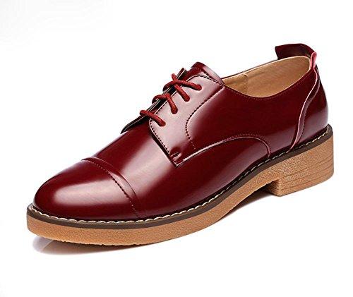 Frau im Frühjahr und Herbst Freizeitschuhe Dameneinzel Partei Schuhe mit runden Leder Spitze Schuhe wine red