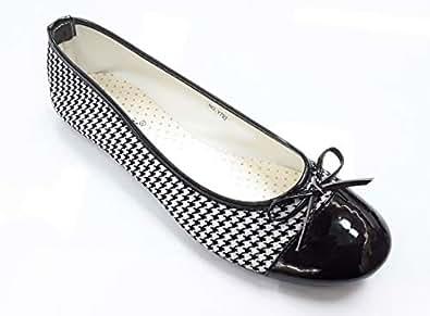 LEMEX Cream Flat Shoes For Women