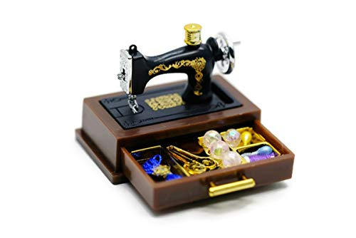 (ChangThai Design Vintage Sewing Machine Dollhouse Miniature)