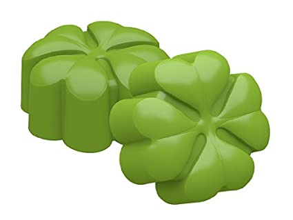 e79689a73067 Image Unavailable. Image not available for. Color  SpinningLeaf Mini Four  Leaf Clover Sandwich Cookie Mold