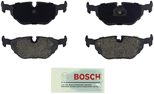 Bosch BE692 Blue Disc Brake Pad Set for Select BMW 318i, 318is, 318ti, 323Ci, 323i, 323is, 323ti, 325Ci, 325i, 325xi, 328Ci, 328i, 328is, 525i, 528i, 530i, 540i, Z3, Z4 - REAR