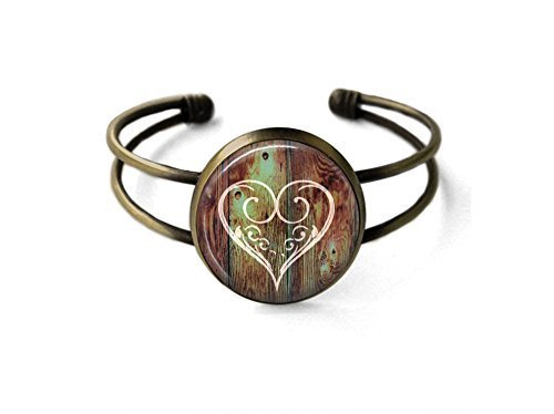 Carved Heart Bracelet ()