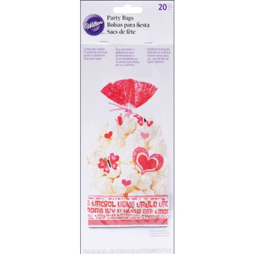 (Valentine You Bake Me Smile Party Bags 20 Count Cellophane by Wilton)