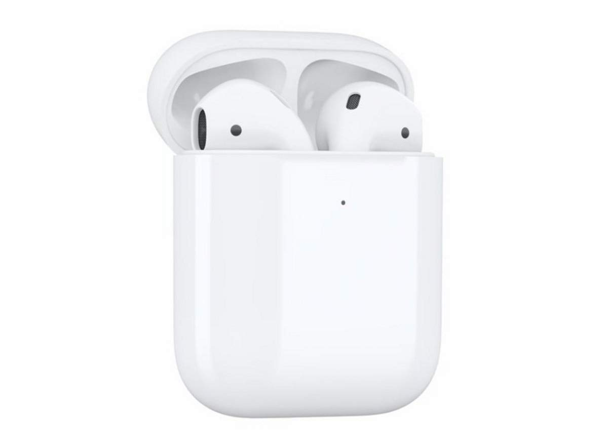 Amazon.com: Apple AirPods Wireless Charging Case: Home Audio ...