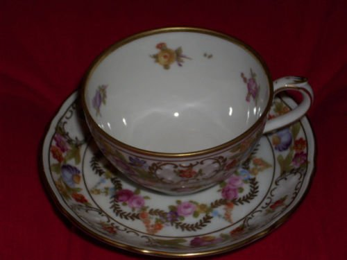 Demitasse Germany (Vintage Schumann Arzberg Germany Demitasse Tea Cup and Saucer Set Dresden Flower Garland)