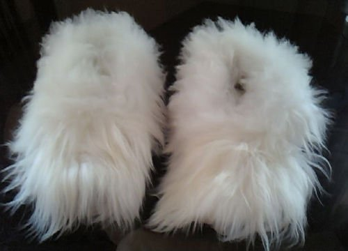 c76433048312 Amazon.com  The Best Baby Alpaca Fur White Slippers Peru All Sizes  Home    Kitchen