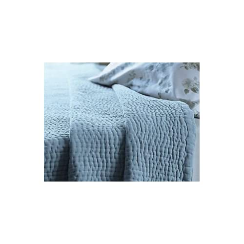 Image of Amity Home Blue Velvet Queen Quilt Home and Kitchen