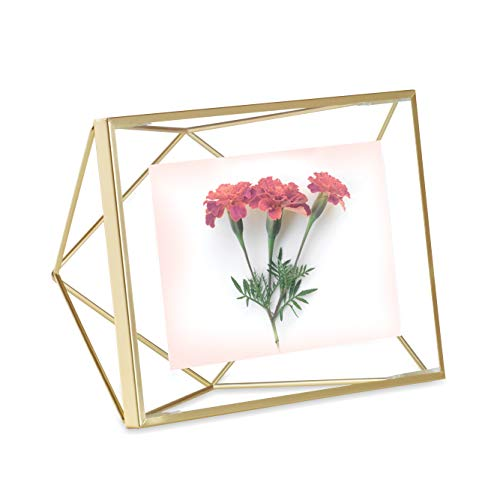 Umbra Prisma 4x6 Picture Frame – Geometric Wire Photo Frame for Desktop or Wall, Matte Brass