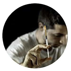 alfombrilla de ratón hombre adicto a las drogas y la heroína o la cocaína concepto de adicción de la jeringa - ronda - 20cm