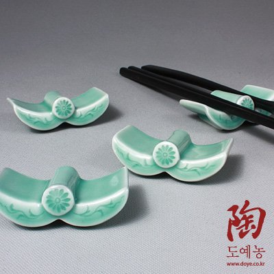 5 Celadon Green Korean Roof Tile and Chrysanthemum Flower Design Ceramic Pottery Porcelain Chopstick Spoon Rests Gift Set by Antique Alive Tabletop