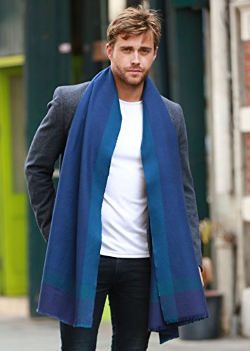 Écharpe effet texturé tissé à la main en laine mérinos et motif herringbone bleu