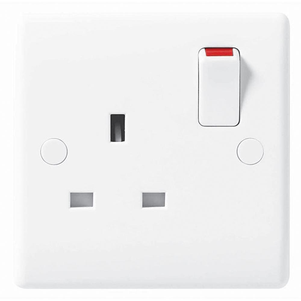 BG Electrical 821-01 1 Gang Single Pole 13A Round Edge Switched Socket Outlet, White Masterplug