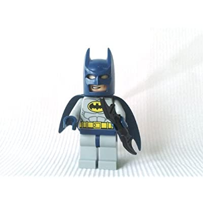 Batman (Blue & Grey) - LEGO Batman Minifigure with Batarang: Toys & Games [5Bkhe1105346]