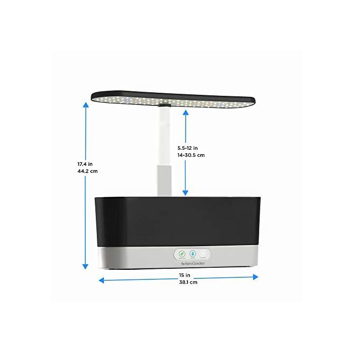 41Oip2z8zFL El sistema de iluminación LED de 20 vatios de espectro completo con alto rendimiento se sintoniza con el espectro específico que permite las plantas maximizar la fotosíntesis, lo que resulta en un crecimiento rápido y natural y cosechas abundantes. Cultiva hasta 6 plantas a la misma vez. Las plantas crecen en agua… no en tierra. Hidroponía avanzada simplificada. El panel de control sencillo y fácil de usar le indica cuándo añadir el agua, le recuerda cuándo añadir los nutrientes patentados (incluidos), además de encender y apagar las luces automáticamente