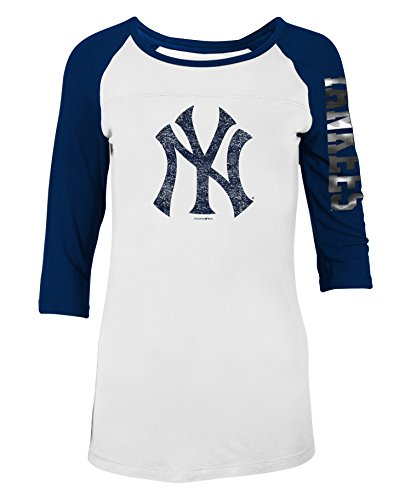 New York Yankees Women's Distressed 3/4 Sleeve Raglan T-Shirt Medium