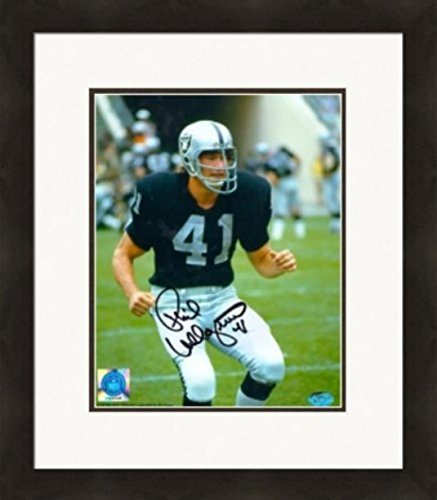 Autograph 223902 Oakland Raiders Cf Matted & Framed Phil Villapiano Autographed 8 x 10 in. Photo