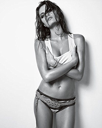 Isabeli Fontana 8x10 Celebrity Photo #11