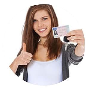 alfombrilla de ratón La muchacha atractiva muestra con orgullo su licencia - ronda - 20cm