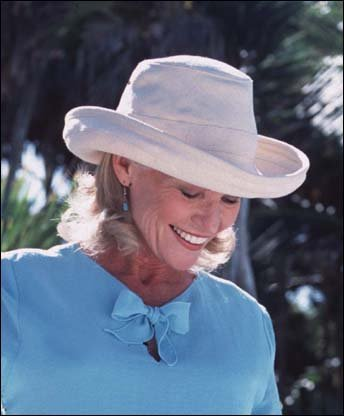 Tilley Womens TH8 Hemp 3 Inch Brim UPF 50+ Hat - Import It All c72f5302c5c7