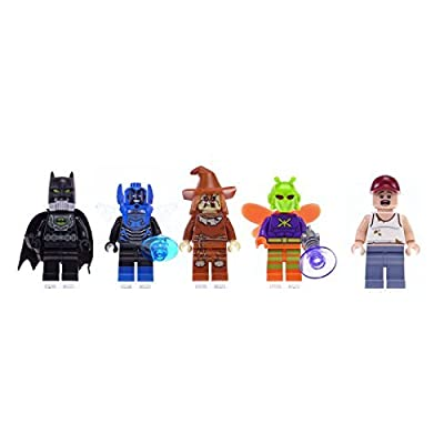 LEGO DC Comics Super Heroes 5 Minifigures: Gas Mask Batman, Blue Beetle, Scarecrow, Killer Moth and a farmer.: Toys & Games