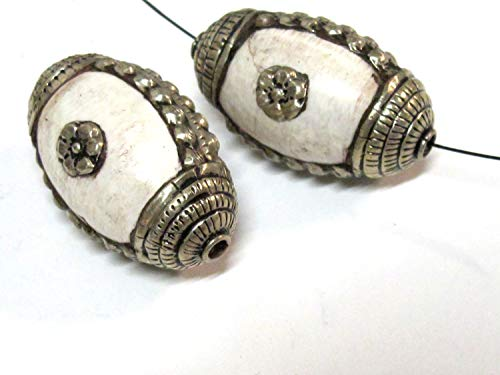 (1 Bead - Large and Thick Tribal naga Conch Shell Silver Capped Floral Design Focal Bead from Nepal - CH040B)