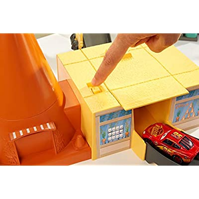 Disney Pixar Cars Race Around Radiator Springs Playset: Toys & Games