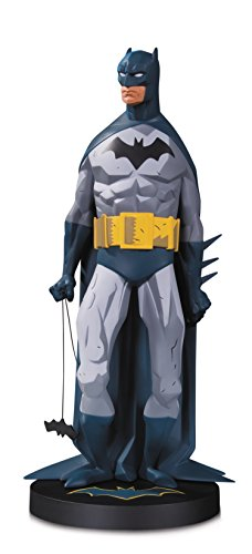 esigner Series: Batman by Mike Mignola Resin Statue - OCT170393 ()