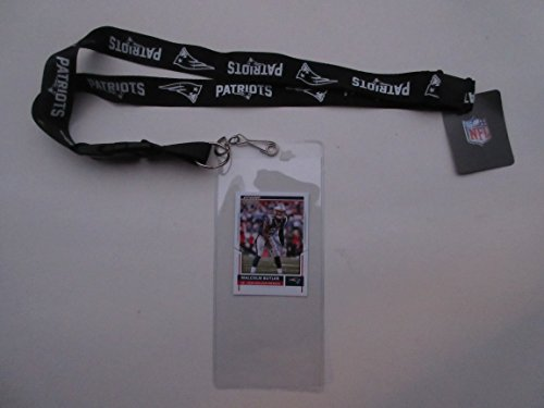 NEW ENGLAND PATRIOTS BLACK LANYARD WITH DETACHABLE CLIP AND TICKET HOLDER - PLUS COLLECTIBLE PLAYER CARD