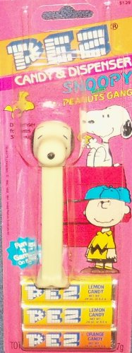 (PEZ Snoopy And The Peanuts Gang Candy & Dispenser)