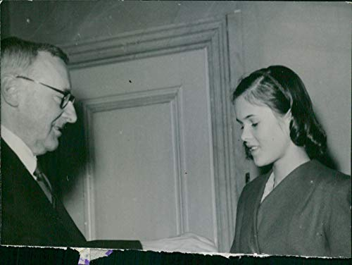 Vintage photo of 14 year old Marianne gets a scholarship (Scholarships For 14 Year Olds And Up)