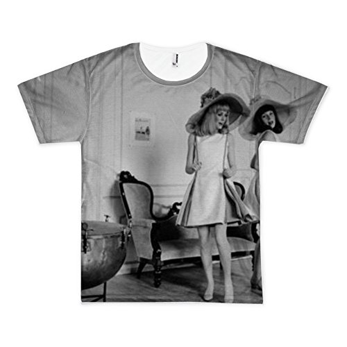 t-shirt-with-franaoise-dorlaac-and-catherine-deneuve-on-the-set-shooting-the-film-the-young-girls-of