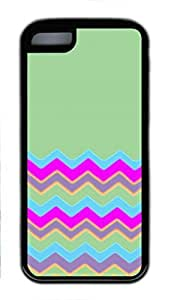 iPhone 5C Case, iCustomonline Green Chevron Pattern Designs Case for iPhone 5C Rubber Black