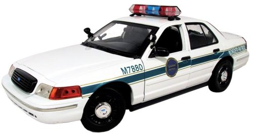 Motormax 1:18 Ford Crown Victoria Border Patrol Car