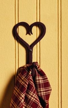 - Antique Primitive Vintage Iron Iron Brown Heart Scrolled Towel, Jacket, Coat, or Hat Wall Wall Hooks for Towel, Jacket, Coat, Hat s