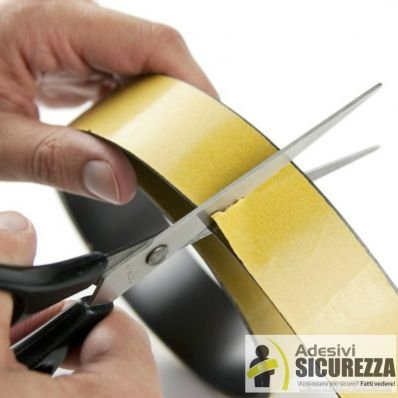 StickersLab - Nastro autoadesivo magnetico con calamita 10/30mm al metro - 30mm(3cm), 1 metro