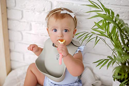 Baby Bibs Set - Pack of 8 Bibs - 3 Muslin, 4 Cotton & Fleece and 1 Silicone Bib - Highly Absorbent - Easy to Wash - Gift for Baby Showers & Newborns.
